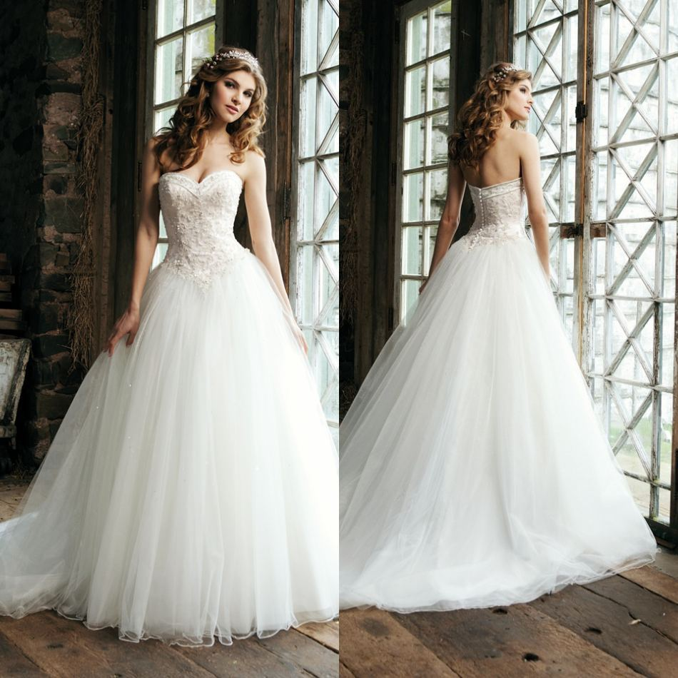 Favorite wedding dresses for brides which perfecting their for Wedding dress with waistband