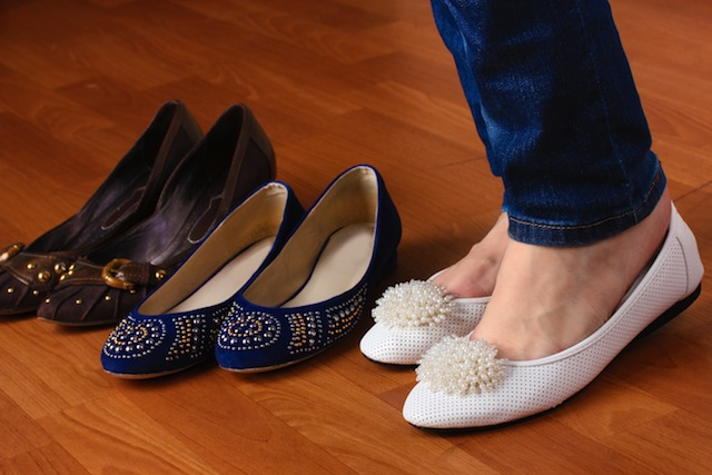 how to choose comfortable flat shoes