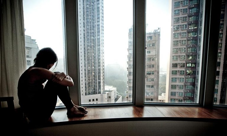 Simple Ways To Overcome Loneliness | 5 Things That You Can Do