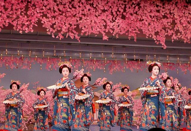 geisha tradition in Japan