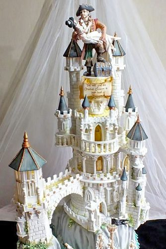 unique and attractive topping wedding cakes