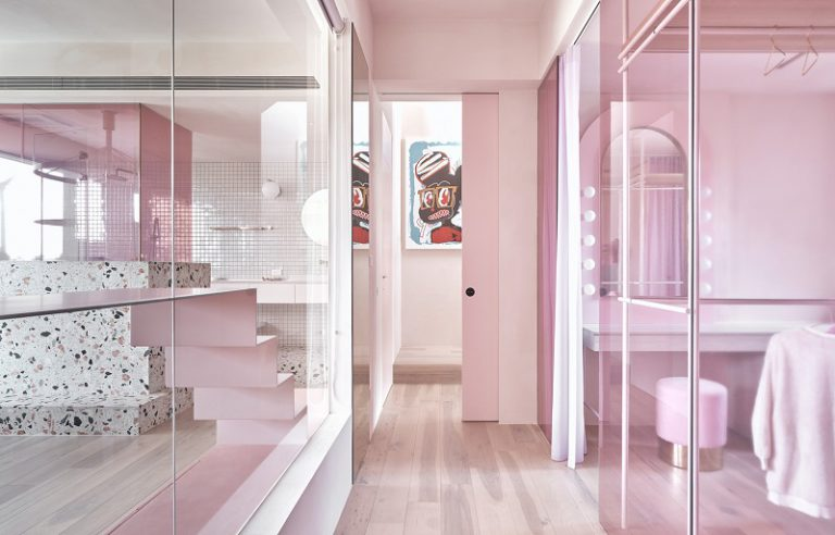 Add Some Feminine Touching to Your Pink Home Office